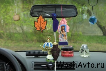 Как устранить неприятный запах в салоне автомобиля